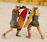 Gladiators fight in Roman Amphitheater of Tarragona, Spain — Stock Photo