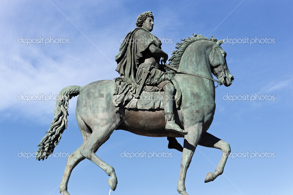 Equestrian statue of Louis XIV on Place Bellecour in Lyon, France — Stock Photo #11418423