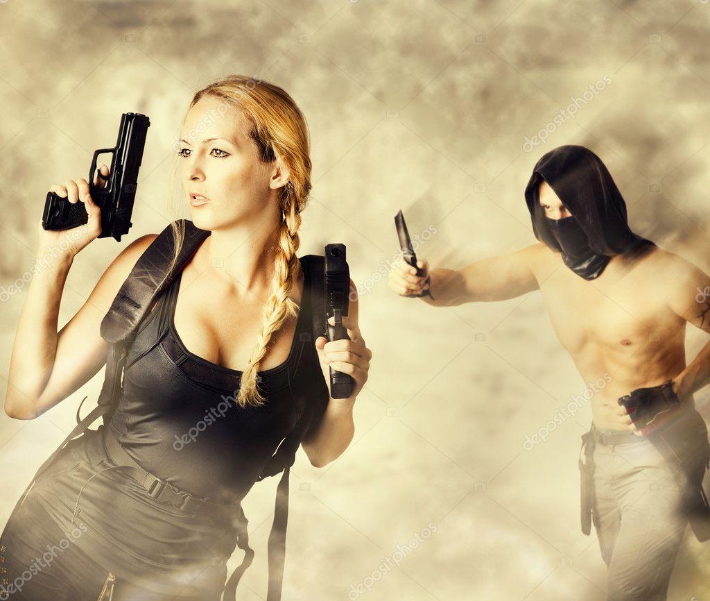 С двумя женщинами 17 фотография
