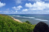 Elevated view at Larsen's beach, North shore, Kauai — Stock Photo