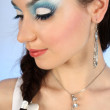 Portret van mooie vrouw met winter make-up close-up — Stockfoto #11791142