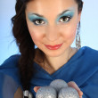Portrait of beautiful woman with christmas tree balls — ストック写真
