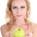ung vacker kvinna med grönt äpple — Stockfoto