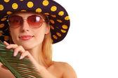 夏の植物とパナマ帽子の女の子 — ストック写真
