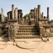 Ancient Vatadage (Buddhist stupa) temple in Pollonnaruwa — Stock Photo
