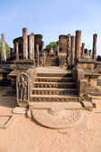 Ancient Vatadage (Buddhist stupa) in Pollonnaruwa — Photo