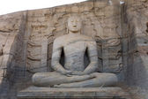 Ancient sitting Buddha image, Gal Vihara, Polonnaruwa, Sri Lanka — Stock Photo