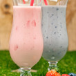 Blueberry and Strawberry milk shake — 图库照片