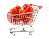 Nákupní vozík s rajčaty — Stock fotografie