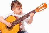 Bambina suona la chitarra — Foto Stock
