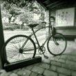 Vintage bicycle in black and white - Stock fotografie