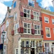 An old building with an antique shop. Netherlands, Delft — Stock Photo #11279260