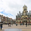 The central square in front of Town Hall. Delft. Netherlands — Stock Photo
