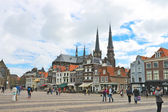 The central square in old Delft. Netherlands — Stock Photo