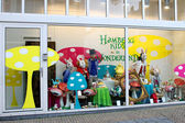 Show-window of shop of goods for kids in Gorinchem. Netherlands — Stock Photo
