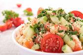 Salada fresca de cuscuz com legumes — Fotografia Stock
