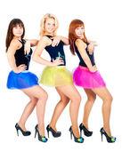 3 つの可愛い女の子のダンス — ストック写真
