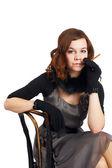タバコを持つ若者のファッションの女性 — ストック写真