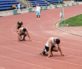 Boys compete in 400 meters race — Stock Photo