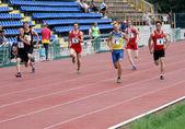 Yalta, ucrania - 25 de mayo: atletas en el atletismo internacional reunirán entre ucrania, turquía y belarús el 25 de mayo de 2012 en yalta, ucrania. — Foto de Stock