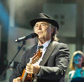 Juan manuel Serrat and Juaquin Sabina tour 2012 — Stock Photo