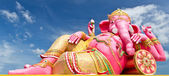 Pink ganecha statue — Stock Photo