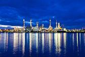Oil refinery plant along river in Bangkok — Stock Photo