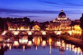 River Tiber in Rome - Italy — Stock Photo