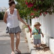 Mum and baby walking — Stock Photo