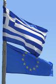 Bandeira da união europeia e a bandeira grega — Foto Stock