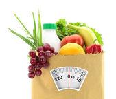 Zdravá strava. čerstvé potraviny v papírovém sáčku — Stock fotografie