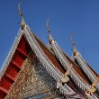 Thailand, Bangkok, Imperial Palace, Imperial city, ornaments on the roof of a Buddhist temple — Stock Photo