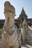 Thailand, Lampang Province, Pratartlampangluang Temple, religious statues at the entrance of the Buddhist temple — Stock Photo