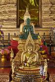 Thailandia, provincia di lampang, tempio di pratartlampangluang, statua di buddha d'oro — Foto Stock