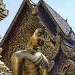 Thailand, Chiangmai, golden Buddha statue in Prathat Doi Suthep Buddhist temple — Stock Photo #11078835