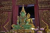 Thailandia, chiang mai, prathat doi suthep tempio buddista, statua del buddha di giada — Foto Stock