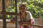 Thailand, Chiang Mai, Karen Long Neck hill tribe village (Kayan Lahwi), a Karen woman in traditional costumes — ストック写真