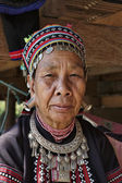 Thailand, Chiang Mai, Karen Long Neck hill tribe village (Kayan Lahwi), Karen woman in traditional costumes — ストック写真