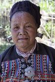 Thailand, Chiang Mai, Karen Long Neck hill tribe village (Kayan Lahwi), Karen woman in traditional costumes — Stock Photo