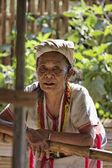 Thailand, Chiang Mai, Karen Long Neck hill tribe village (Kayan Lahwi), a Karen woman in traditional costumes — Stock Photo