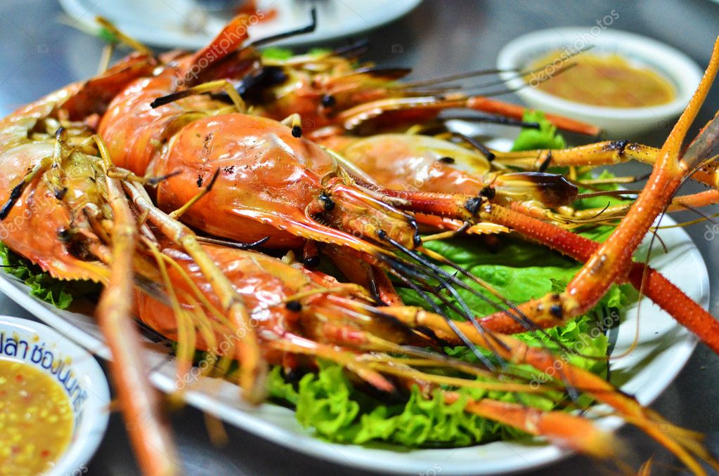 Grilled shrimp with spicy sauce , closeup , Asian style food , Thailand — Stock Photo #11065244