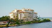 Luxury hotel on South Beach — Stock Photo