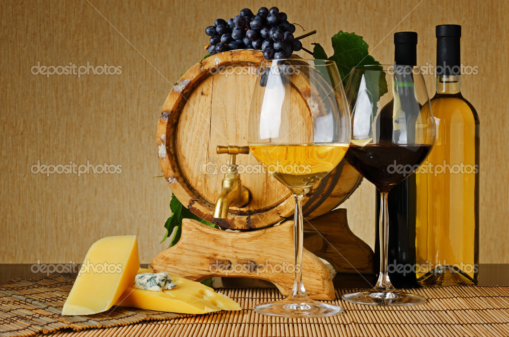 Wine and cheese on the table — Stock Photo #12088676