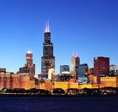 Chicago alacakaranlıkta manzarası — Stok fotoğraf