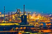 Zona industrial de noche — Foto de Stock