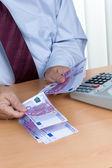 Muchos de los billetes de euro — Foto de Stock