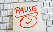 Note on computer keyboard: pause — Fotografia Stock