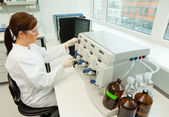 Women in research work in research laboratories — Stock Photo