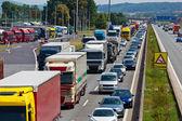 高速道路で交通渋滞 — ストック写真