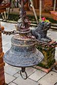 鐘が頻繁に礼拝の場所 — ストック写真
